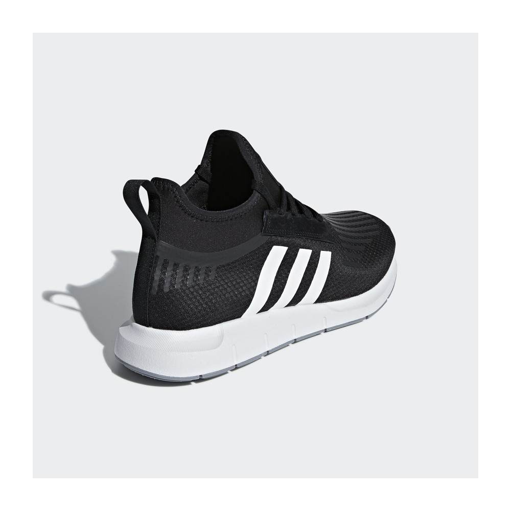 680ca6983feb8 adidas originals - Swift Run Barrier Shoes - Streetwear