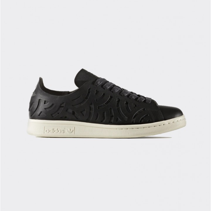 pretty nice d3576 0a8ee adidas originals - Stan Smith Cutout Shoes - Streetwear