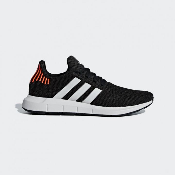 5168f6f302 adidas originals - Swift Run Shoes - Streetwear