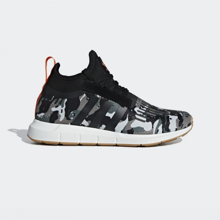 a8a28766e14 adidas originals - Swift Run Barrier Shoes - Streetwear