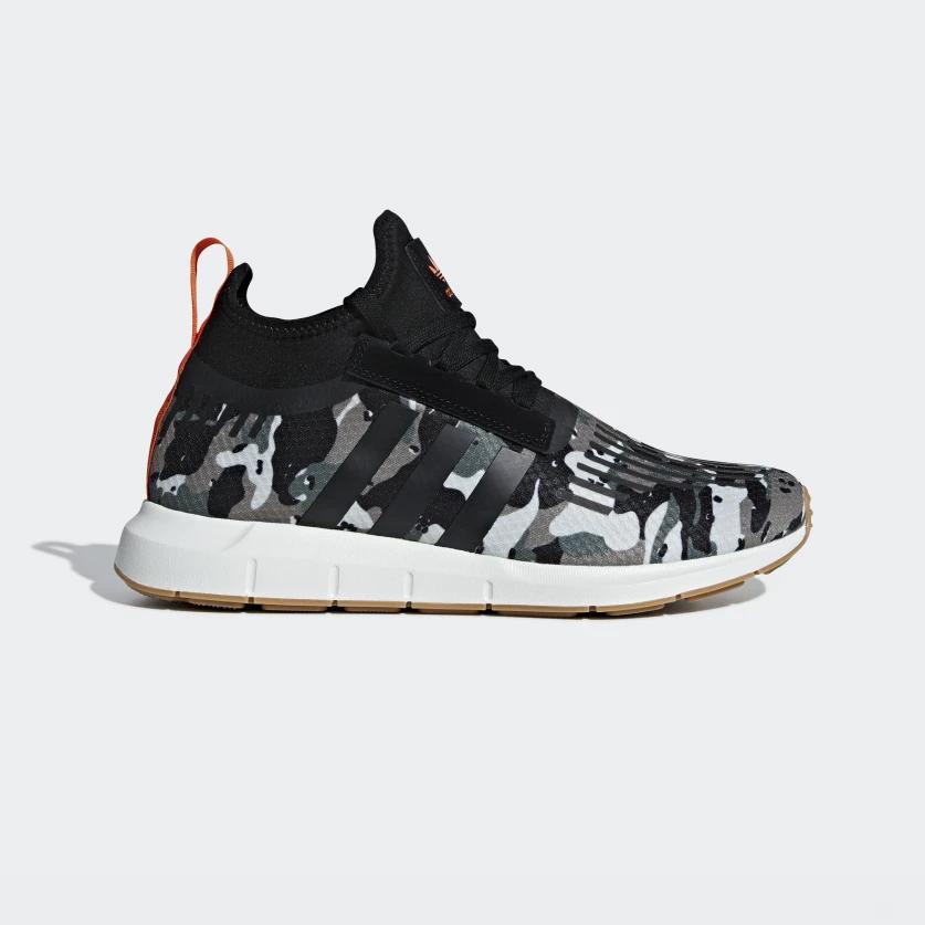 46d062f4f adidas originals - Swift Run Barrier Shoes - Streetwear